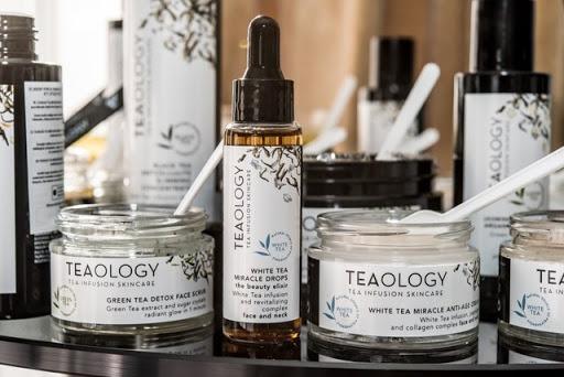 Teaology salon